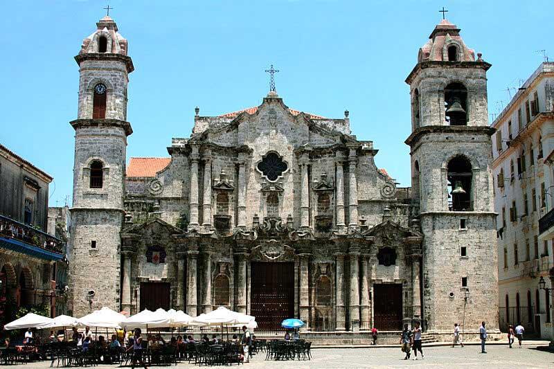 Cuban baroque architecture cuba treasure for Pictures of baroque architecture